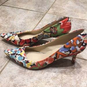 Patterned heels